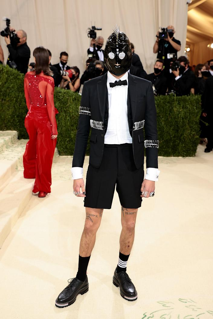 """<h1 class=""""title"""">Evan Mock in Thom Browne and Lorraine Schwartz jewelry</h1><cite class=""""credit"""">Photo: Getty Images</cite>"""
