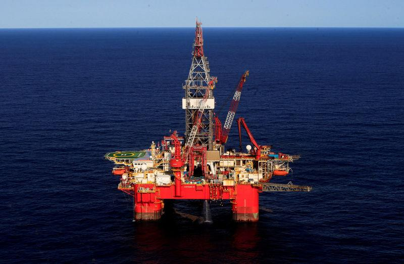 FILE PHOTO: A general view of the Centenario deep-water oil platform in the Gulf of Mexico off the coast of Veracruz, Mexico January 17, 2014. REUTERS/Henry Romero/File Photo