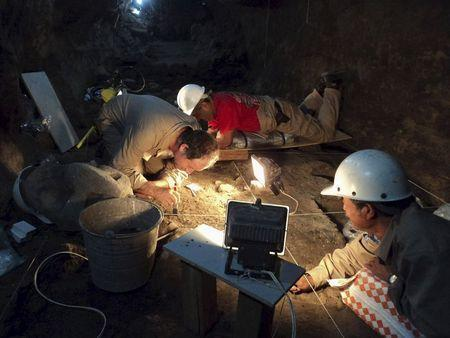National Institute of Anthropology and History (INAH) archaeologists work at a tunnel that may lead to a royal tombs discovered at the ancient city of Teotihuacan, in this May 9, 2011 INAH handout file picture made available to Reuters October 29, 2014. REUTER/INAH/Files/Handout via Reuters