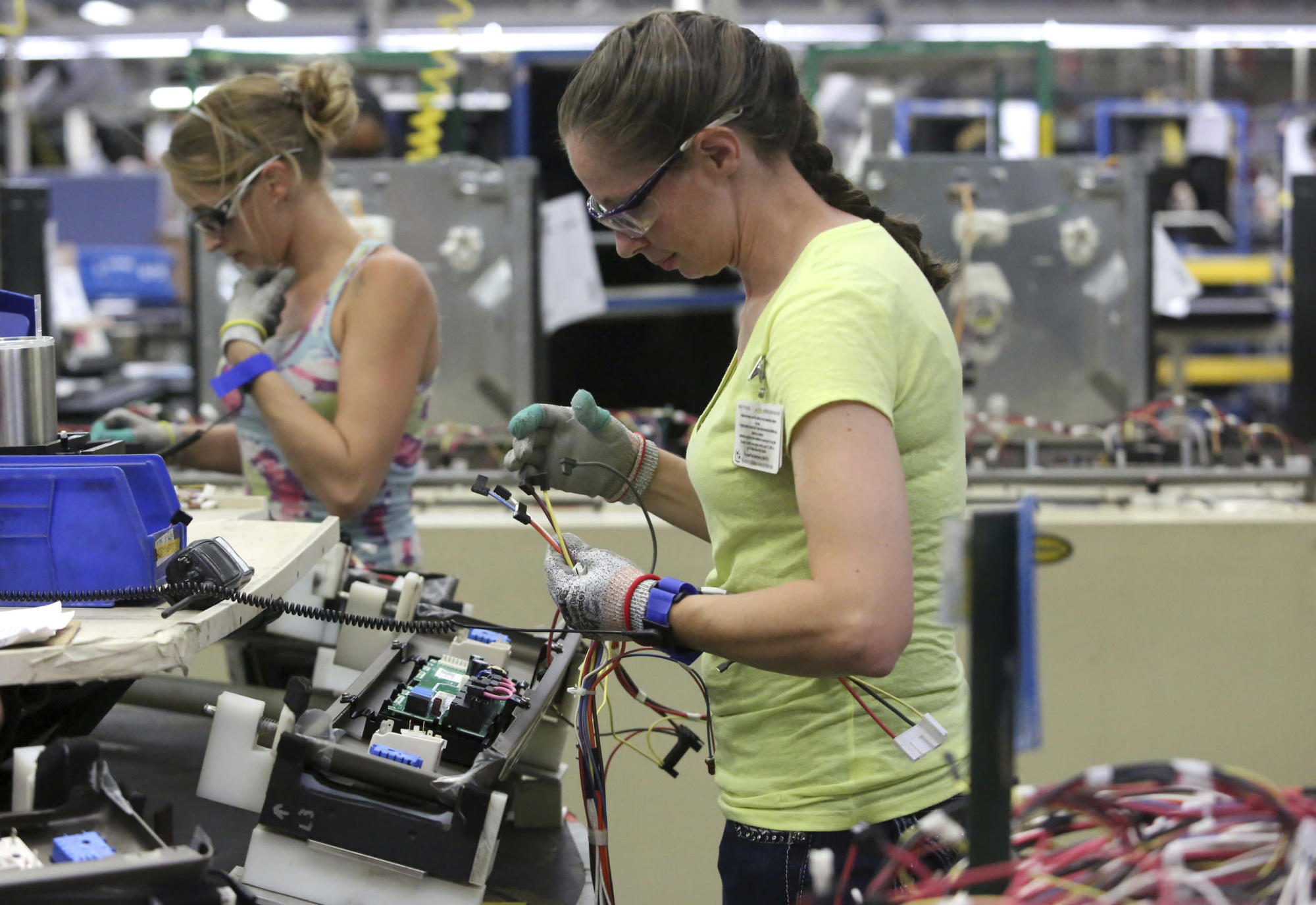 September factory orders up 1.9%, economists see risks ahead