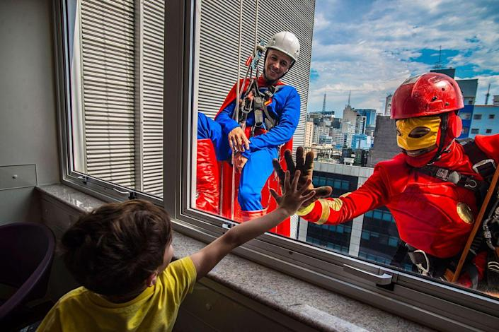 <p>Every year, Brazilians celebrate Children's Day to honor all of the country's little ones. In recent years, real window cleaners have dressed up as Marvel superheroes and scaled the outer walls of Hospital Infantil Sabará in São Paulo. In 2017, Superman and the Flash surprised countless kids in honor of their special day.</p>