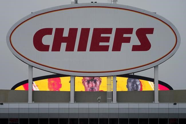 Chiefs keep most of Super Bowl team intact on cut-down day