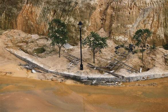 A street lamp is seen at a construction site at the replica of Austria's UNESCO heritage site, Hallstatt village, in China's southern city of Huizhou in Guangdong province, June 1, 2012.