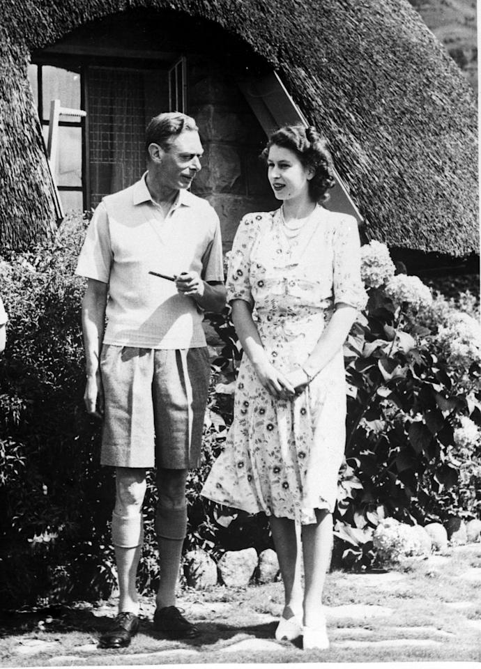<p>Princess Elizabeth and her father took a casual walk in Natal National Park in South Africa. </p>