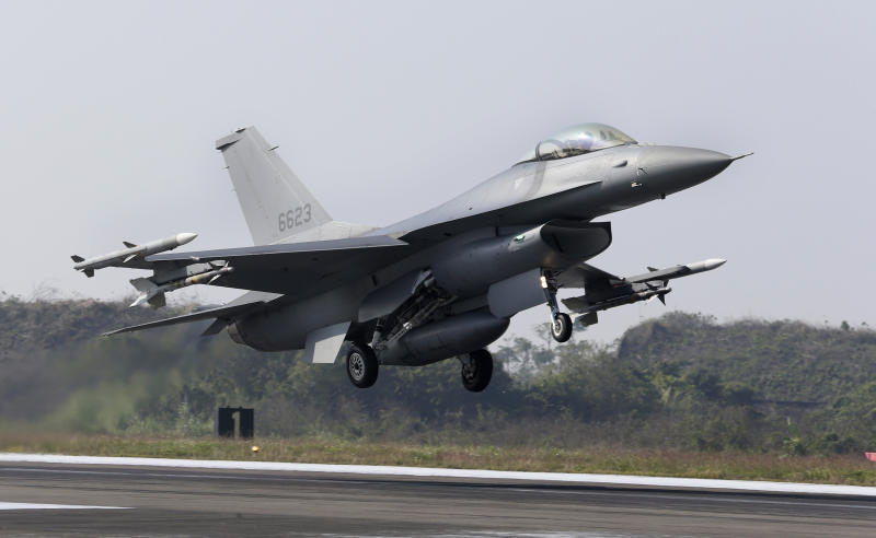 A U.S. made F-16V fighters takes off during a military exercises in Chiayi County, southern of Taiwan, Wednesday, Jan. 15, 2020. Defense Ministry started two-day drill to show the ability of the armed forces to provide security ahead of upcoming Lunar New Year holiday.(AP Photo/Chiang Ying-ying)