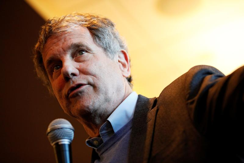 "Sen. Sherrod Brown, D-Ohio, speaks at a meet and greet on his ""Dignity of Work"" tour in Concord, N.H., on Feb. 9. (Photo: Elizabeth Frantz/Reuters)"