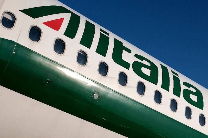 Tired of pumping public money into Alitalia, the Italian government now says the carrier should go to the highest bidder