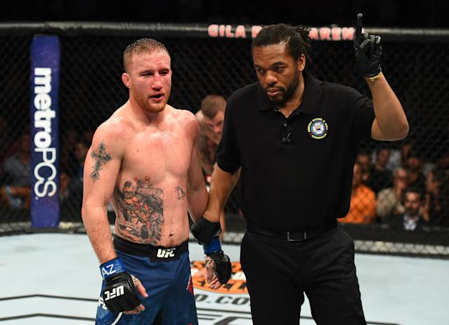 Justin Gaethje has one point taken away for an eye poke to Dustin Poirier in their lightweight fight during the UFC Fight Night event at the Gila Rivera Arena on April 14, 2018 in Glendale, Arizona. (Getty Images)