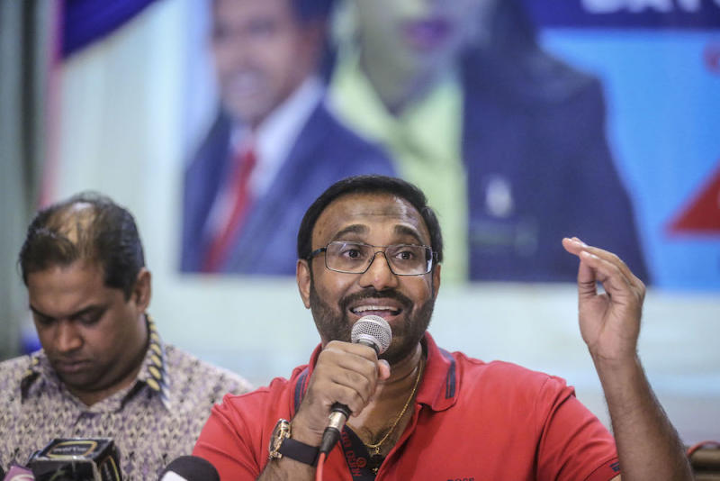 On Monday, news emerged that Vell Paari was seeking a court order to declare his father Samy Vellu mentally unfit under the Mental Health Act 2001. — Picture by Firdaus Latif