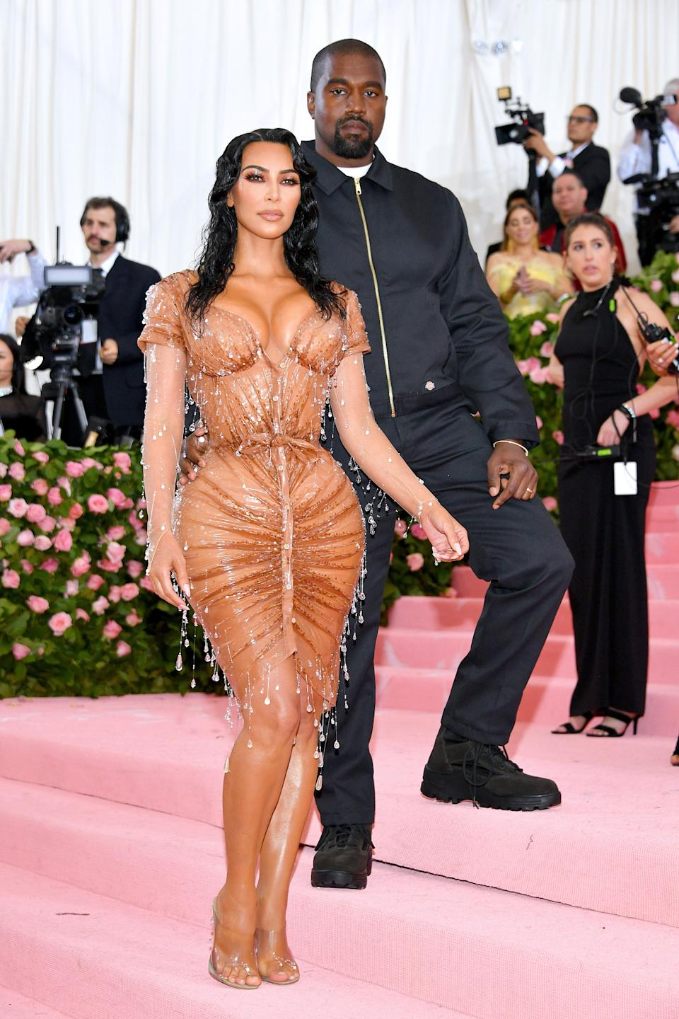 """<h1 class=""""title"""">Kim Kardashian West in Manfred Thierry Mugler and Kanye West</h1><cite class=""""credit"""">Photo: Getty Images</cite>"""