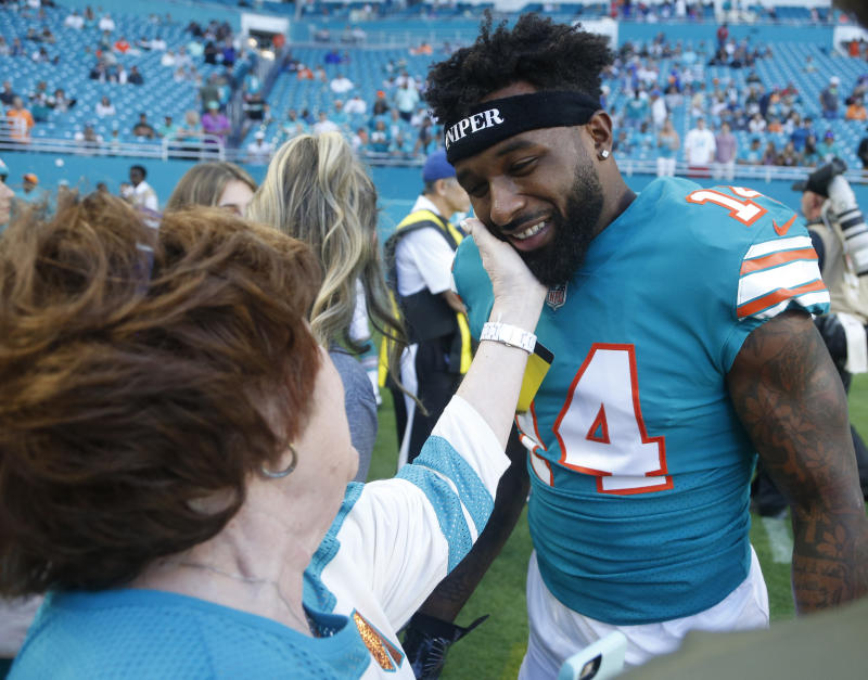 Miami Dolphins wide receiver Jarvis Landry got the franchise tag from the team. (AP)