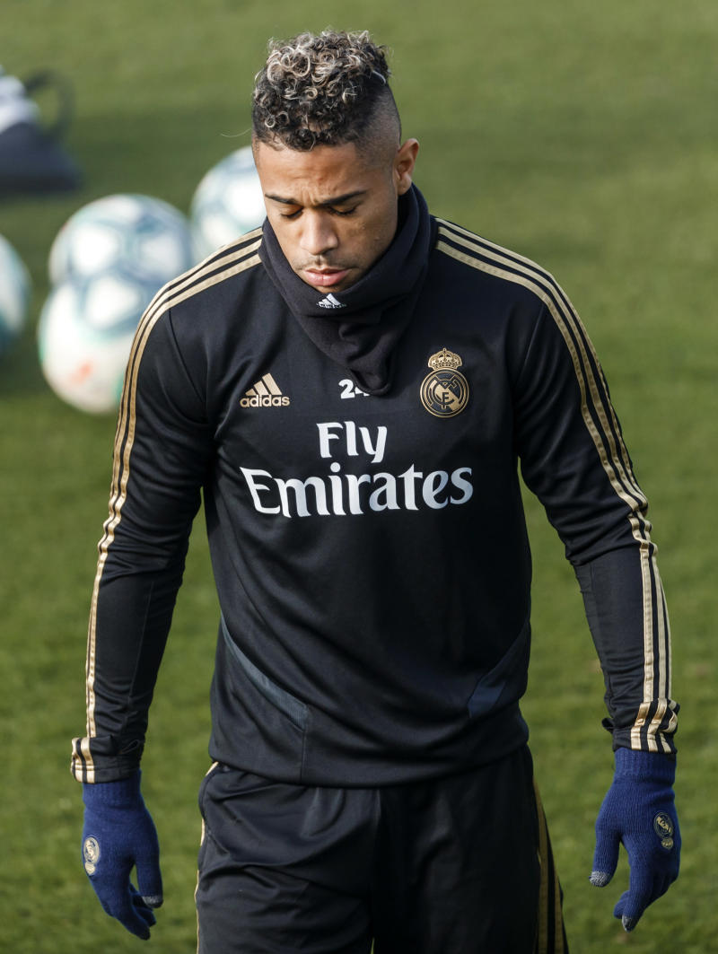 MADRID, SPAIN - DECEMBER 14: (BILD ZEITUNG OUT) Mariano Diaz of Real Madrid looks dejected during the training session of Real Madrid on December 14, 2019 in Madrid, Spain. (Photo by TF-Images/Getty Images)