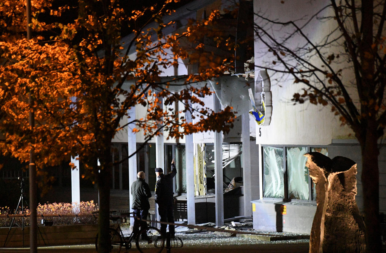 Police forensics work at the scene after a powerful explosion at the main entrance to the police station in Helsingborg, Sweden, October 18, 2017. TT News Agency/Johan Nilsson via Reuters ATTENTION EDITORS - THIS IMAGE WAS PROVIDED BY A THIRD PARTY. SWEDEN OUT.