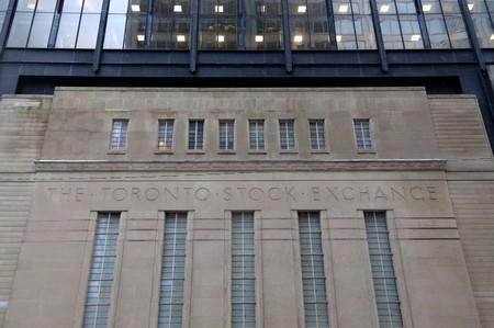 TSX drops on global recession worries