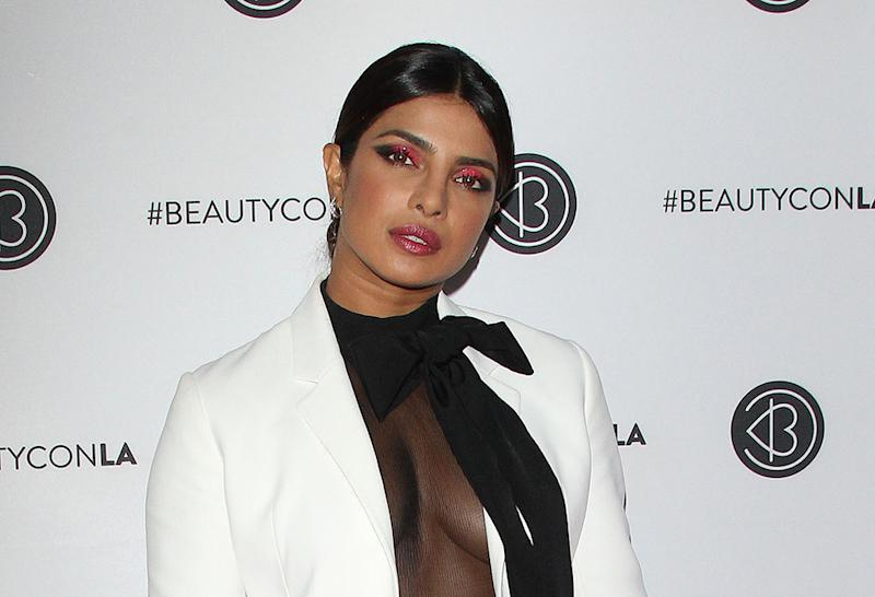 Priyanka Chopra's Patriotic Response To Pak Woman's Allegations Is Winning Hearts""