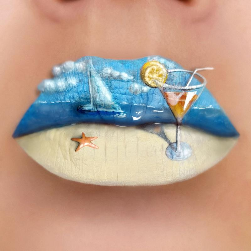 Tutushka's lipstick artwork featuring a seashore scene. (Photo: Tutushka Matviienko/Caters News)