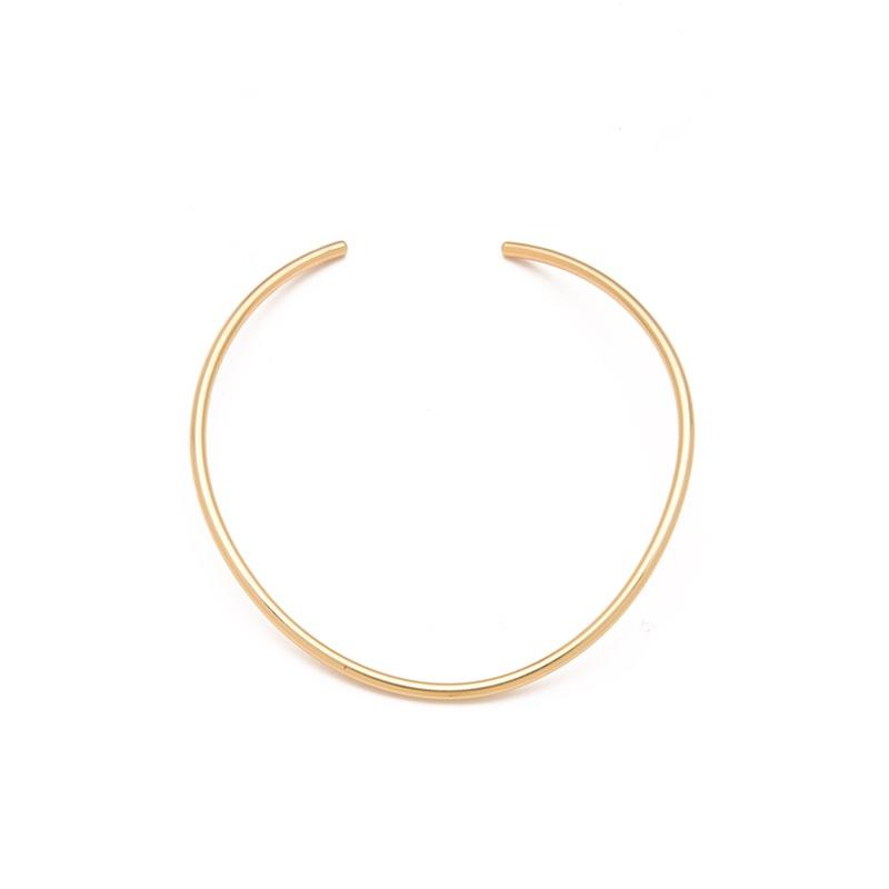 """<a rel=""""nofollow"""" href=""""http://www.anrdoezrs.net/links/3550561/type/dlg/https://www.shopbop.com/americana-choker-jules-smith/vp/v=1/845524441948359.htm?folderID=2534374302060432&fm=other-viewall&os=false&colorId=15065"""">Americana Choker, Jules Smith, $98</a><ul>     <strong>Related Articles</strong>     <li><a rel=""""nofollow"""" href=""""http://thezoereport.com/fashion/style-tips/box-of-style-ways-to-wear-cape-trend/?utm_source=yahoo&utm_medium=syndication"""">The Key Styling Piece Your Wardrobe Needs</a></li><li><a rel=""""nofollow"""" href=""""http://thezoereport.com/beauty/celebrity-beauty/kim-kardashian-psoriasis-face/?utm_source=yahoo&utm_medium=syndication"""">This Skin Concern Is Now Affecting Kim Kardashian's Face</a></li><li><a rel=""""nofollow"""" href=""""http://thezoereport.com/entertainment/celebrities/serena-williams-engagement-ring/?utm_source=yahoo&utm_medium=syndication"""">Serena Williams Revealed Her Engagement Ring In The Most Unassuming Way</a></li></ul>"""