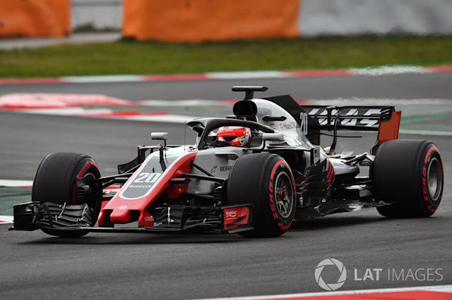 "Haas VF-18 y Ferrari SF70 H <span class=""copyright"">Sutton Motorsport Images</span>"