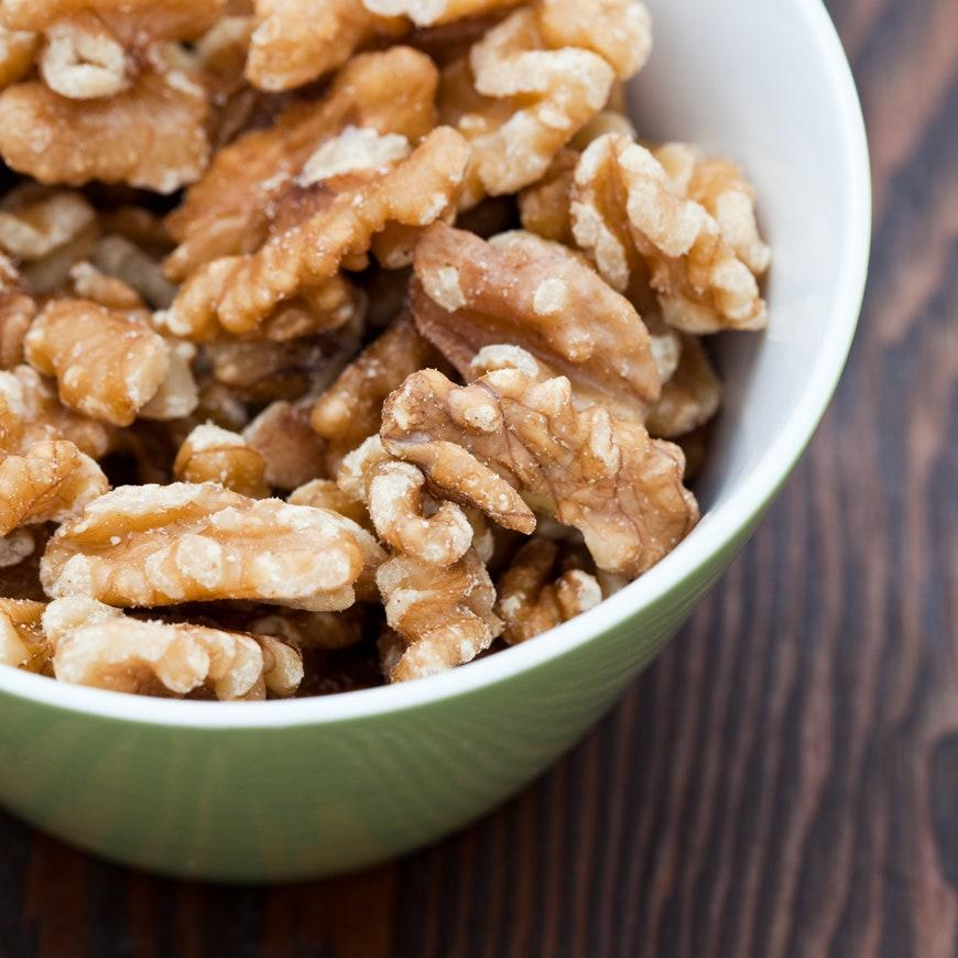 """<h1 class=""""title"""">bowl of walnuts</h1><cite class=""""credit"""">Robert Anthony/Getty Images</cite>"""