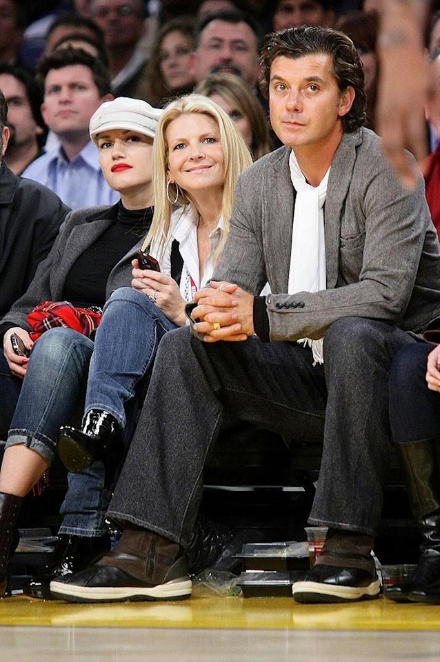 """Gwen Stefani, her friend, and her main squeeze Gavin Rossdale look less than thrilled to have their picture taken. Noel Vasquez/<a href=""""http://www.gettyimages.com/"""" target=""""new"""">GettyImages.com</a> - December 16, 2008"""