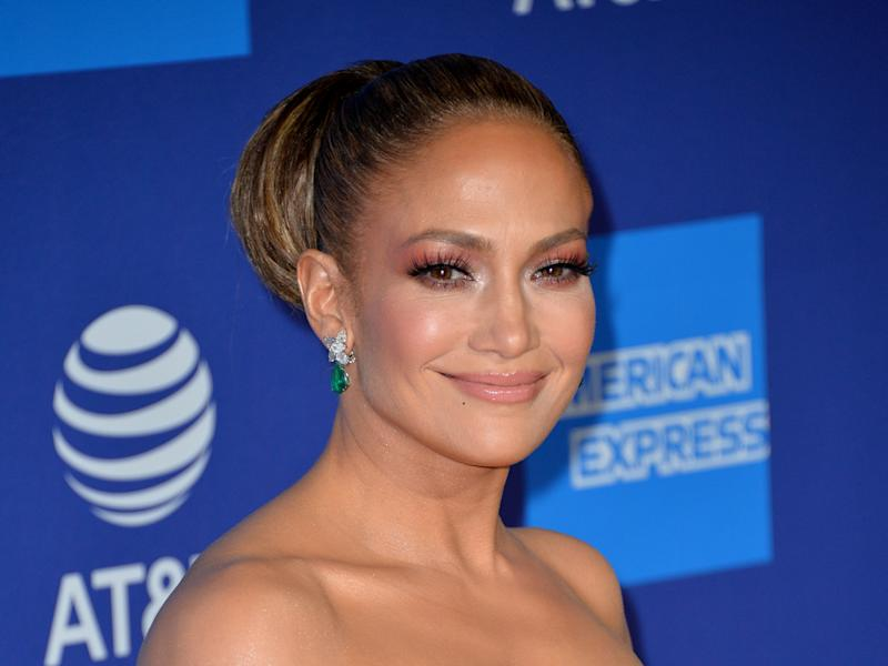 Jennifer Lopez hat sich von den Super-Bowl-Strapazen erholt (Bild: Shutterstock/Featureflash Photo Agency)