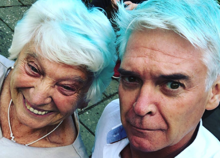 Phillip and mum Pat piose for a selfie on his Instagram page9Phillip Schofield/Instagram)