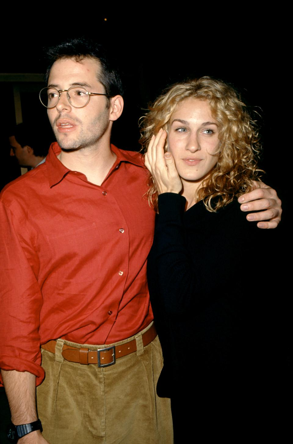 Matthew Broderick and Sarah Jessica Parker pose for a portrait circa 1993 in Los Angeles, California.  (Photo by Ron Davis/Getty Images)