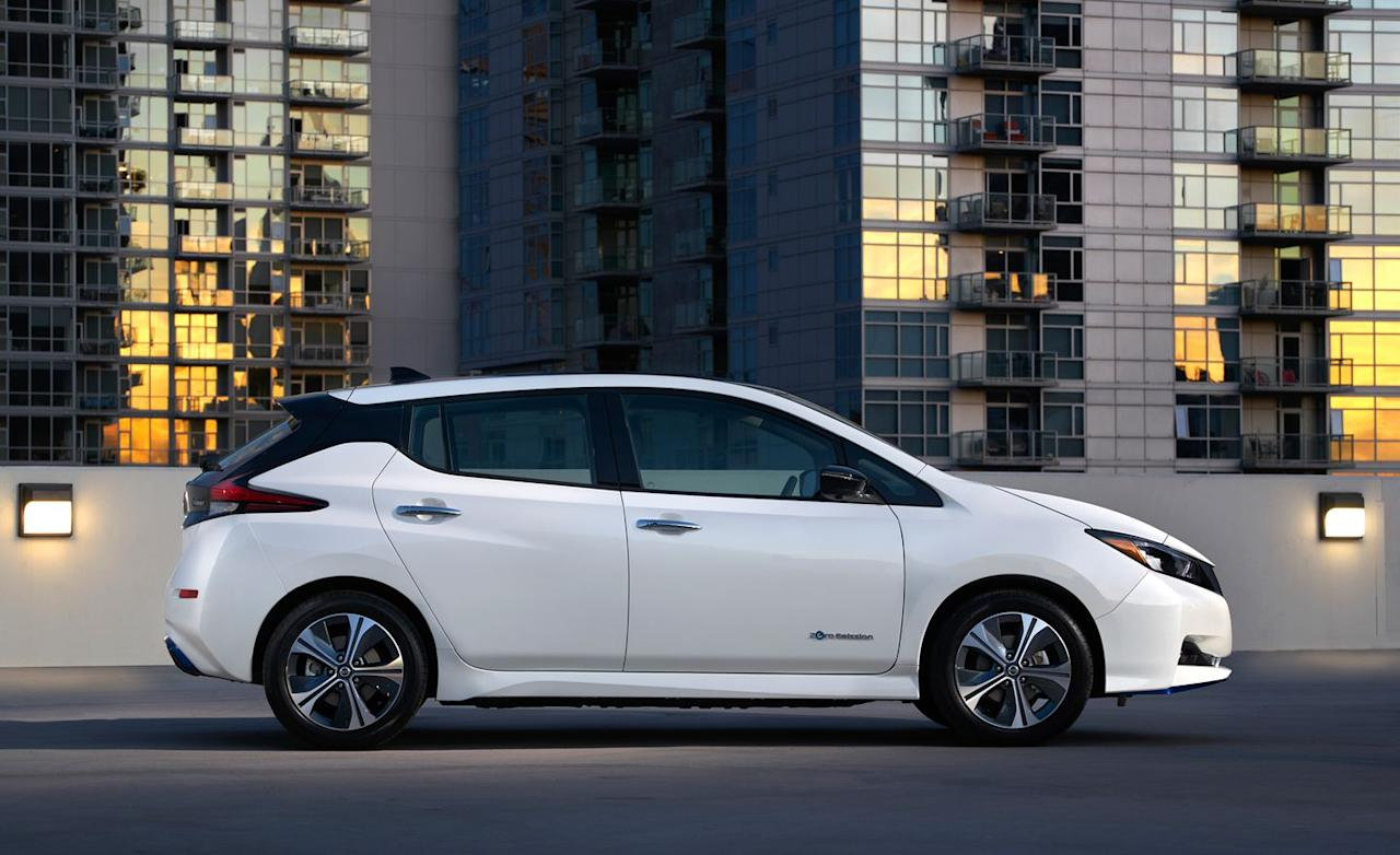 <p>But the Nissan's new 62-kWh battery pack, though significantly bigger than the base Leaf's 40-kWh pack, makes for an EPA range estimate of 226 miles. </p>