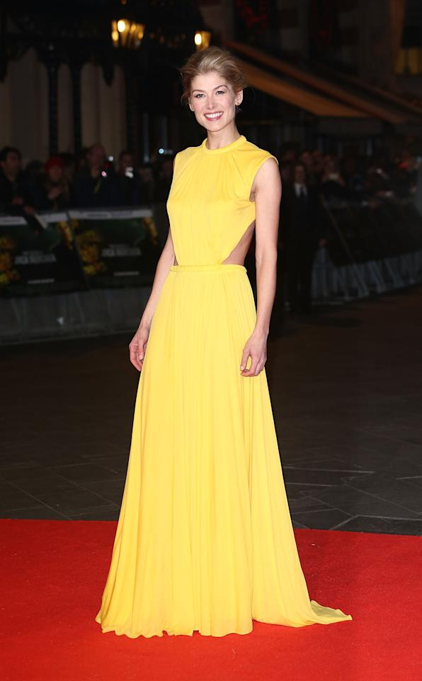 LONDON, ENGLAND - DECEMBER 10:  Rosamund Pike attends the World Premiere of 'Jack Reacher' at Odeon Leicester Square on December 10, 2012 in London, England.  (Photo by Tim Whitby/Getty Images)