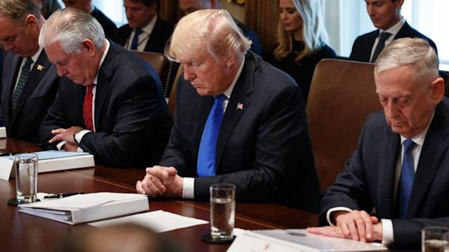 <p>Trump approves sale of new arms to Ukraine amid escalated fighting (ABC News) </p>