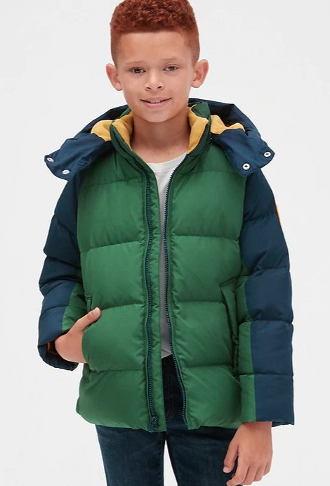 Available in Red, Green, Navy and Black. Image via GAP.