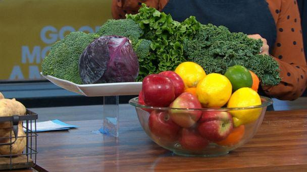 PHOTO: Produce like leafy greens and citrus can last for weeks in the refrigerator. (ABC News)