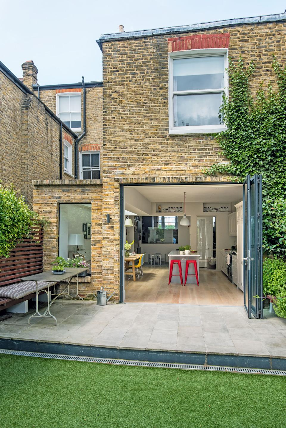 rear extension to victorian terraced house photographed by polly eltes