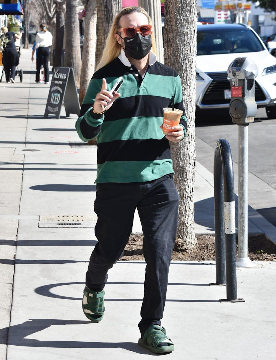 <p>Pete Wentz steps out in L.A. on Monday for a coffee. </p>