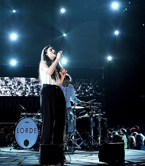 """Lorde performed """"Royals"""" at the 2014 Grammy Awards in L.A. on Jan. 26"""