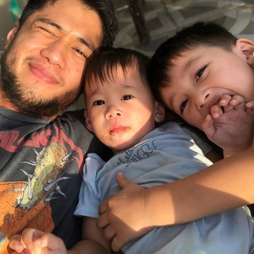 Aljur with sons Alas Joaquin and Axl Romeo