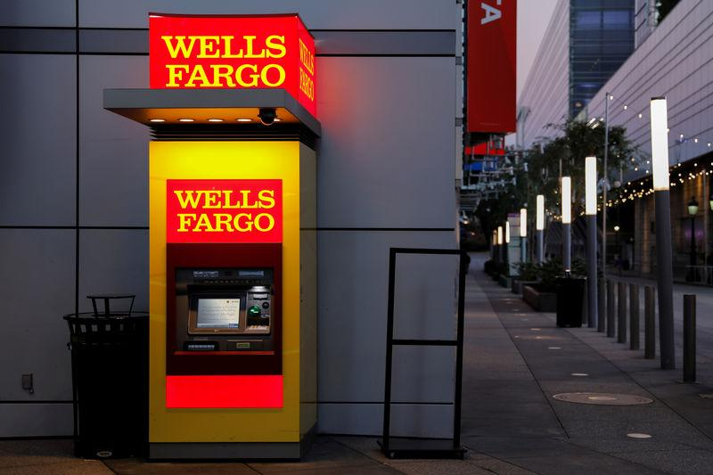 FILE PHOTO: A Wells Fargo ATM machine is shown in Los Angeles, California, U.S. October 19, 2018. REUTERS/Mike Blake/File Photo