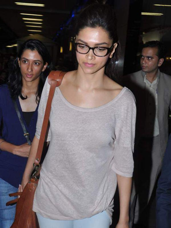 """<p><strong>Deepika Padukone</strong>: Deepika's glasses have thick black frames, which only she can carry off with flair.<br /><br /><strong>Celeb Trend: <a href=""""https://ec.yimg.com/ec?url=http%3a%2f%2fidiva.com%2fphotogallery-style-beauty%2fceleb-trend-bollywood-actresses-ditch-the-dupatta%2f24105%26quot%3b&t=1506365722&sig=GGhpZEiJvkaIbRiKQnYa9A--~D target=""""_blank"""">Bollywood Actresses Ditch the Dupatta</a></strong></p>"""