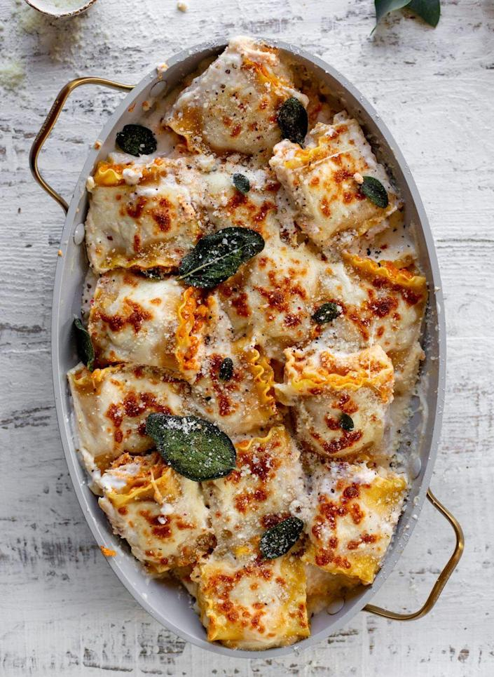 """<p>Instead of your typical red-sauce lasagna, try this creative twist instead. It has a creamy white béchamel sauce and pumpkin filling that's perfect for fall. </p><p><strong>Get the recipe at <a href=""""https://www.howsweeteats.com/2020/09/pumpkin-lasagna-rollups/"""" rel=""""nofollow noopener"""" target=""""_blank"""" data-ylk=""""slk:How Sweet Eats"""" class=""""link rapid-noclick-resp"""">How Sweet Eats</a>.</strong></p>"""