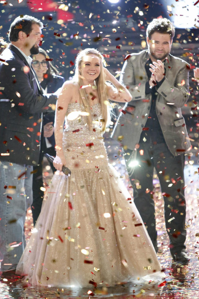 "Danielle Bradbery wins Season 4 of ""The Voice"" on the live season finale."