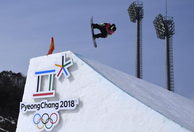 Snowboarding - Pyeongchang 2018 Winter Olympics - Men's Big Air Qualifications - Alpensia Ski Jumping Centre - Pyeongchang, South Korea - February 21, 2018 - Mark Mcmorris of Canada competes. REUTERS/Toby Melville