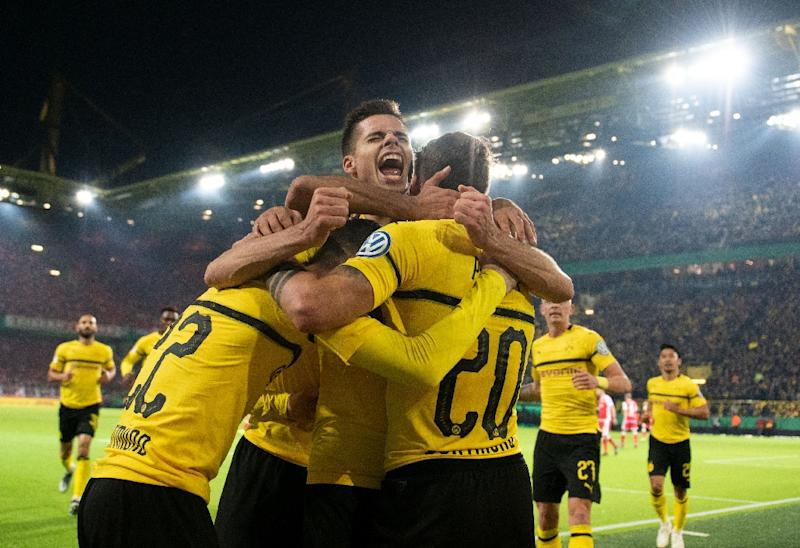 Reus S Extra Time Penalty Gives Dortmund German Cup Win