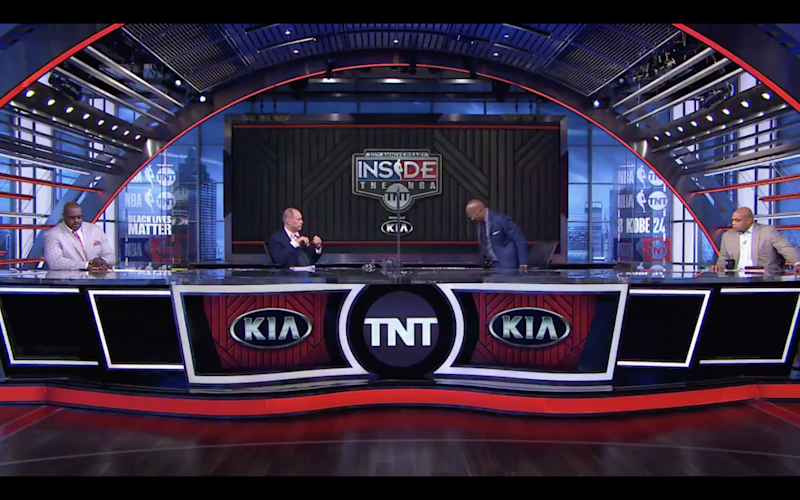 Kenny Smith walked off set in protest against racial injustice: Twitter/@NBAonTNT