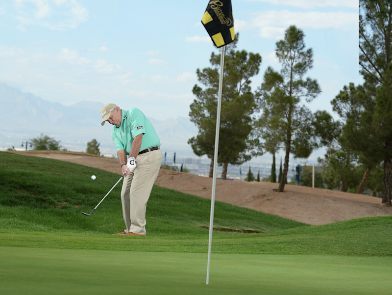 How to make your chip shots land soft and stop fast