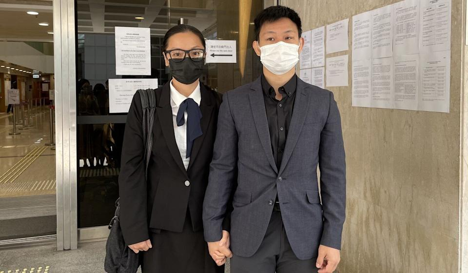 Elaine To (left) and husband Tong Wai-hung leaving the High Court on Monday. Photo: Jasmine Siu