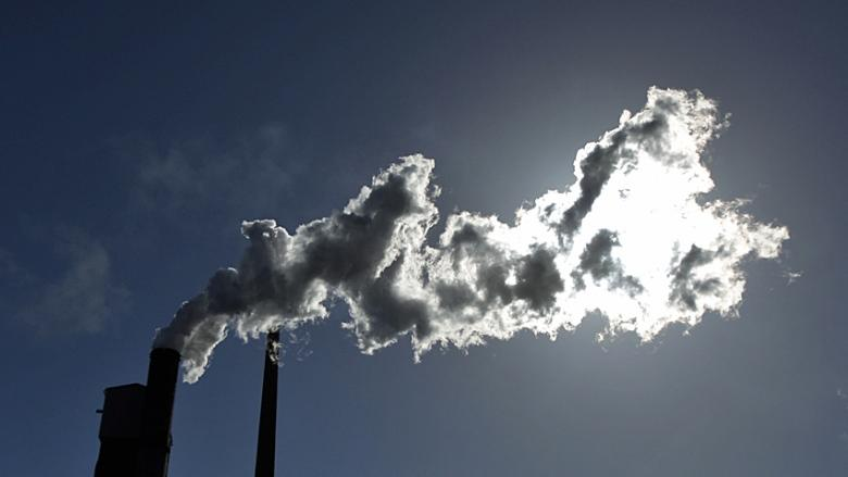 Citing competitiveness pressures, feds ease carbon tax thresholds