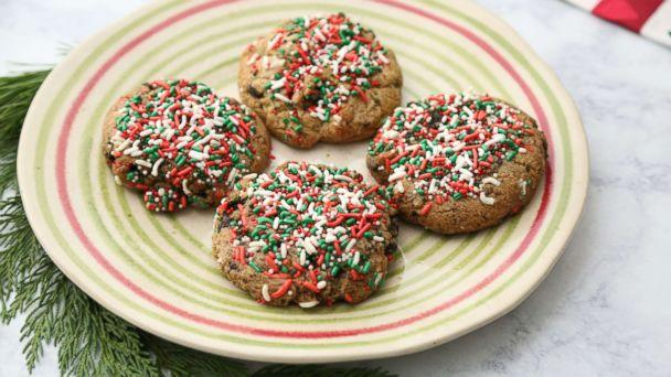 PHOTO: Stuffed Cookies' Oreo Birthday Cake with Christmas sprinkles cookies are pictured here. (ABC)