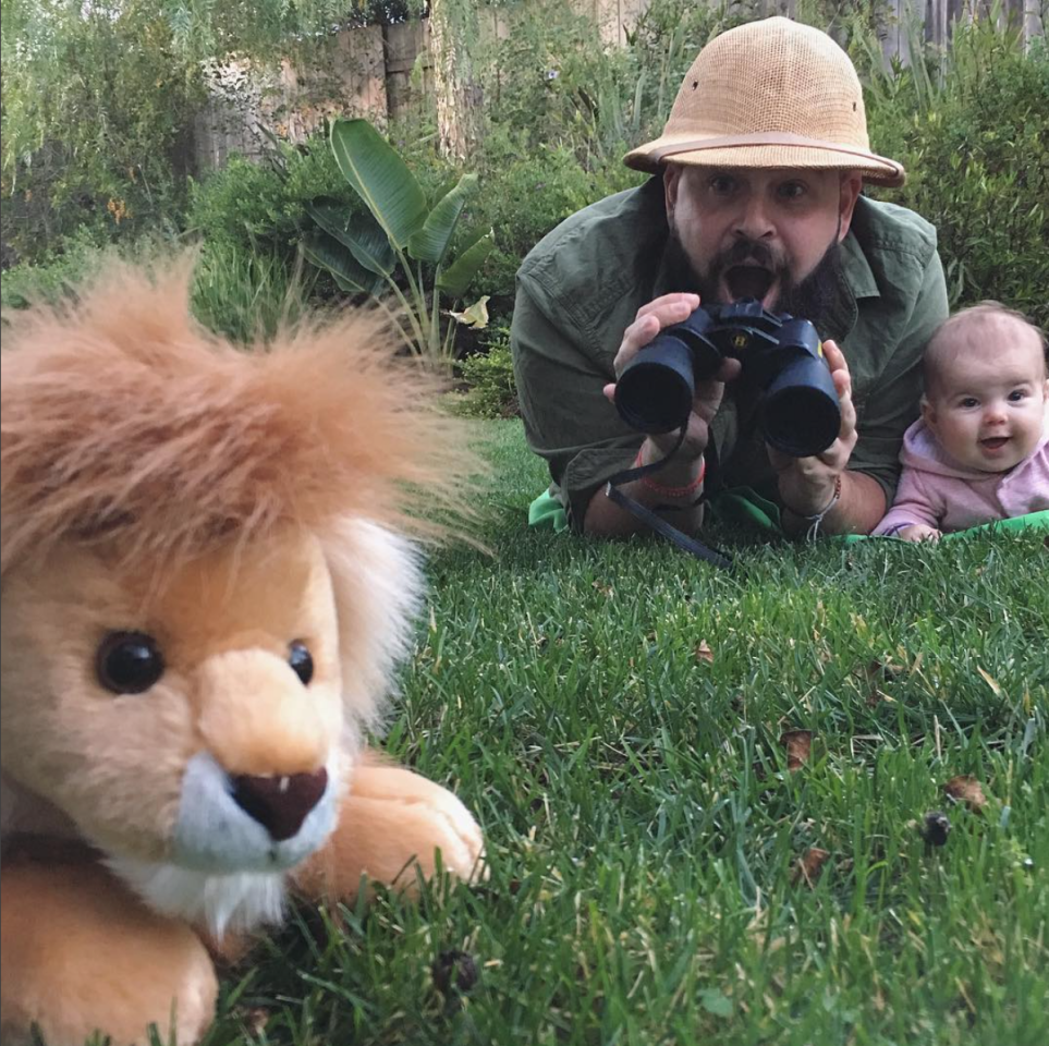 <p>Zoe's stuffed animal makes a cameo in their backyard safari. <i>(Photo: Instagram/sbsolly)</i> </p>