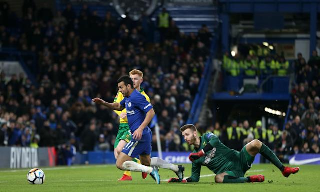 Pedro Rodríguez dives against Norwich and the Chelsea forward was sent off in extra time for a second yellow card.
