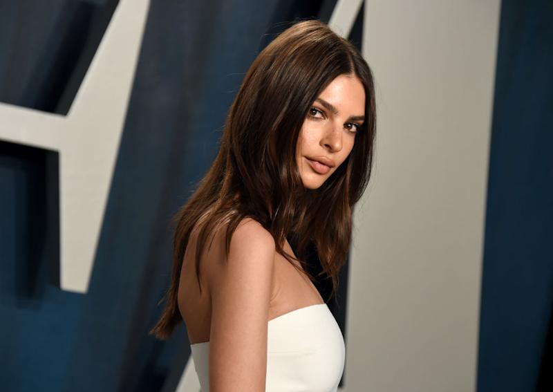 Emily Ratajkowski strahlt auf der Vanity Fair Oscar-Party. (Bild: Getty Images)